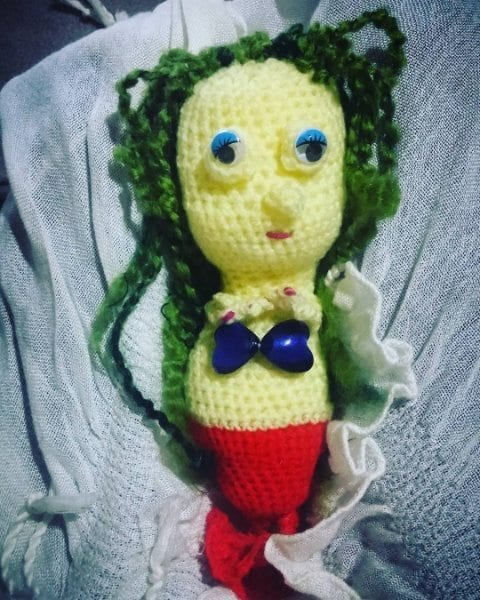 The Friendly Mermaid Crochet Doll - thefriendlyredfox.com | 600x480